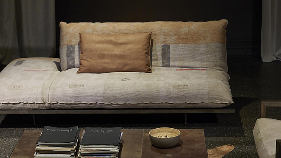 akito 1047. Black Bedroom Furniture Sets. Home Design Ideas